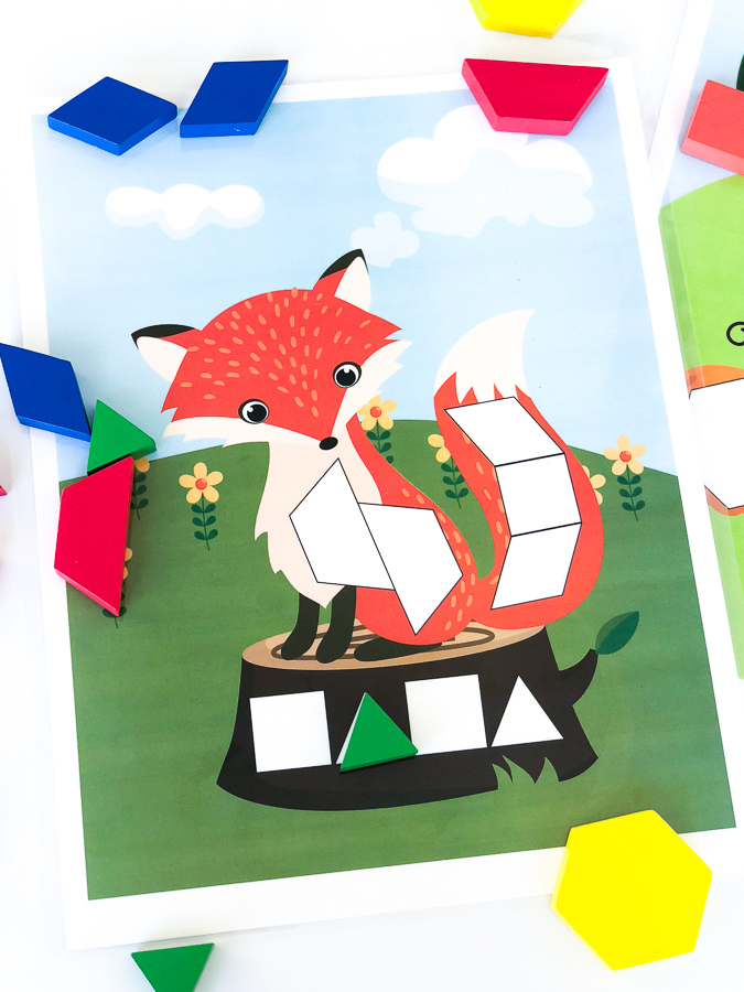 Free Printable Fox Tangram Mat | This cute fox pattern block mat is great for preschool or kindergarten kids who love hands on learning ideas. #math #kindergarten #preschoolactivities #earlychildhood