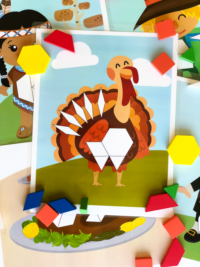 Thanksgiving STEM Activity | These pattern block mats are a great STEAM activity for preschool and kindergarten. #earlychildhood #thanksgiving #kidsactivities