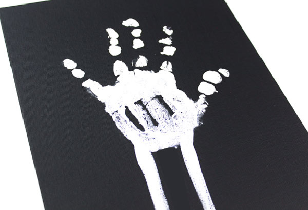skeleton handprint craft for human body unit studies #homeschool #kids #educationalactivities