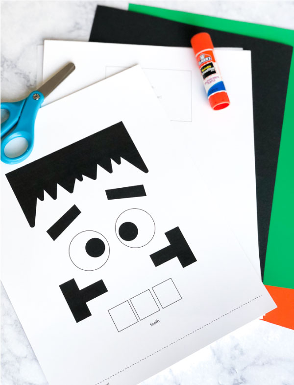 Simple Frankenstein Craft For Kids | Make these cute puppets at home with only a few supplies and this free printable template. #kidsactivities #halloween #halloweencrafts