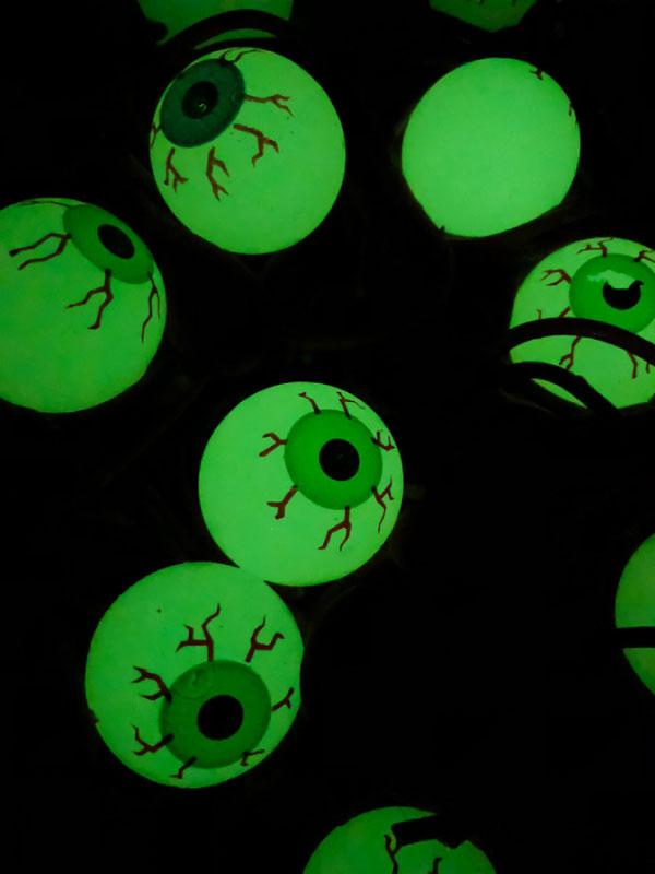 glow in the dark sensory bin for kids