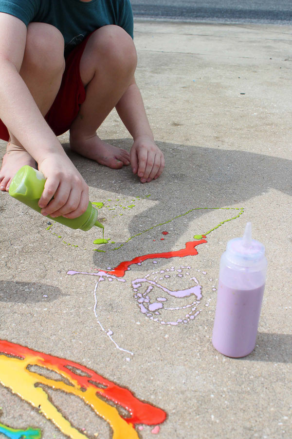 Sidewalk Chalk Recipe For Kids #messyplay #kidsandparenting #kids #kidsactivities