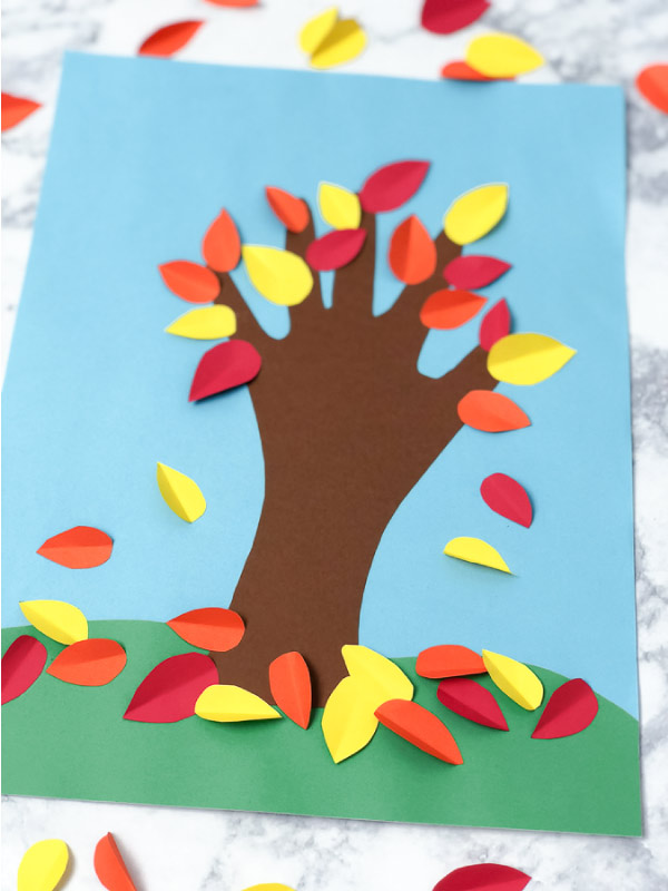 Fall Tree Kids Handprint Art #kids #kidscrafts #craftsforkids #kidsactivities #kindergarten