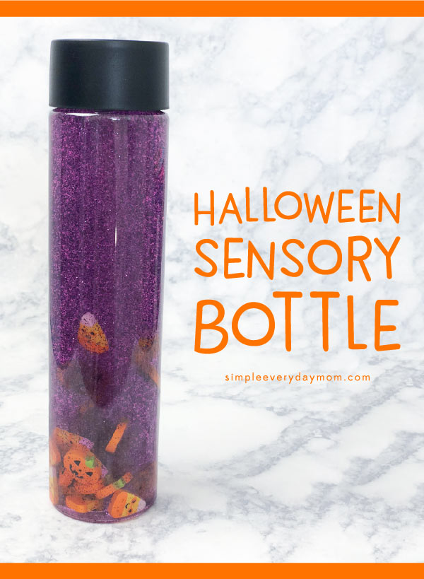 Halloween Sensory Bottle For Kids | Make this easy and calming sensory bottle with some hair gel, food dye, mini Halloween erasers and water. Perfect for toddlers, preschool or kindergarten kids. #preschool #kindergarten #earlychildhood #kidsactivities #sensoryplay