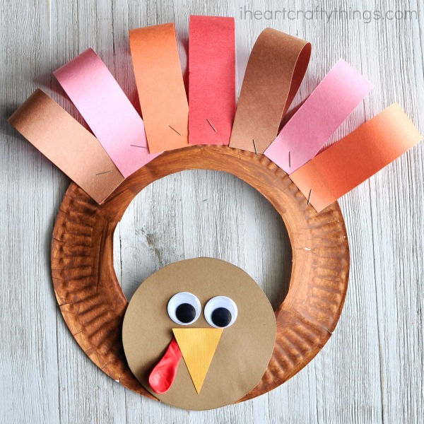 Turkey Crafts For Kids | These easy, DIY Thanksgiving ideas are perfect for toddles, preschool, kindergarten and beyond! #kids #kidsactivities #thanksgiving #kindergarten