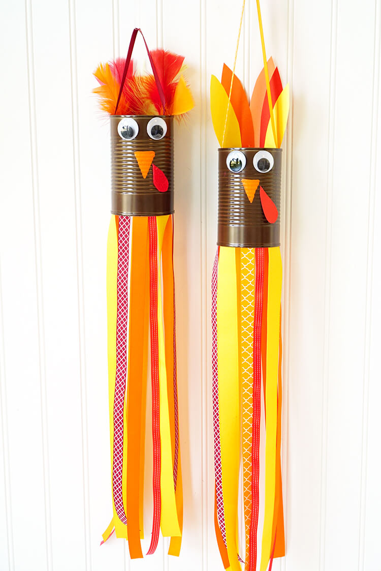 Thanksgiving Activities For Kids | These crafts are fun and easy ideas kids will love. It's perfect for school or for at home play. #thanksgiving #craftsforkids #kidscrafts #earlychildhood #kindergarten