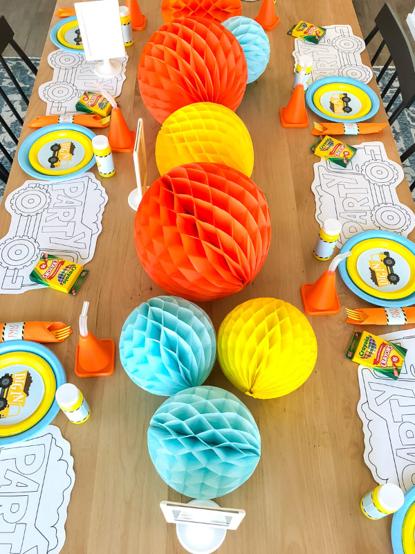Construction Party Decoration Ideas | Make your under construction theme come to life with these easy decoration ideas including a simple honeycomb centerpiece, 4x6 table signs and fun place settings. #kids #kidsparty #kidsparties #ideasforkids