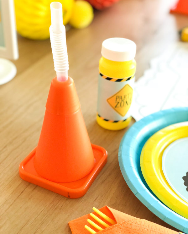 Boys Party Ideas | Recreate this construction themed birthday party for your little one. #party #bday #kidsparties
