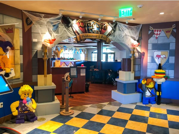 Best Family Vacations For Families With Young Kids | Take your kids to Legoland for the best family vacation ever! #kids #kidsandparenting #travel #toddlers