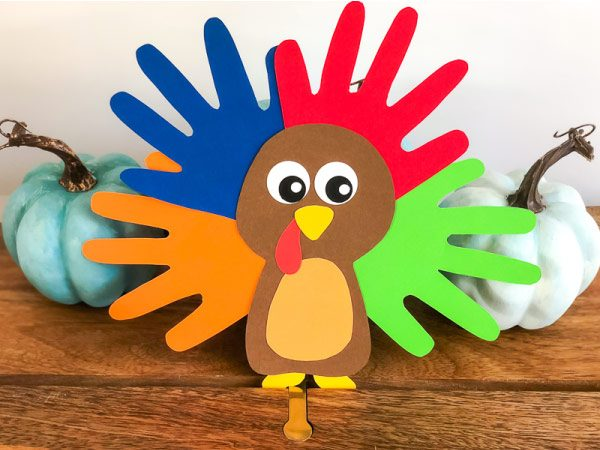 Turkey Crafts For Kids | Make this easy handprint turkey this Thanksgiving. #kidscrafts #craftsforkids #kindergarten #turkey #turkeycrafts #ideasforkids #earlychildhood