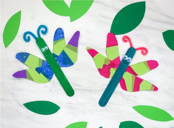 Simple Insect Craft For Kids of all ages will have fun making this easy dragonfly project. It's a fun idea for preschool, prek or kindergarten.