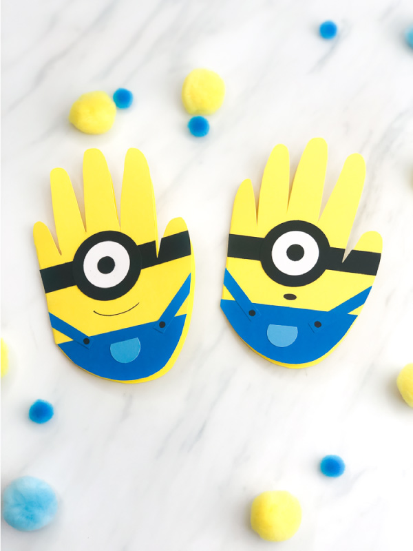DIY Fathers Day Card | Make this homemade handprint minion card for Dad this Father's Day. #kids #kidscrafts #craftsforkids #kidsactivities #kidsactivity #ideasforkids #handprintcrafts #minioncrafts #preschoolercrafts #kindergarten #teachingkindergarten #elementary #ece