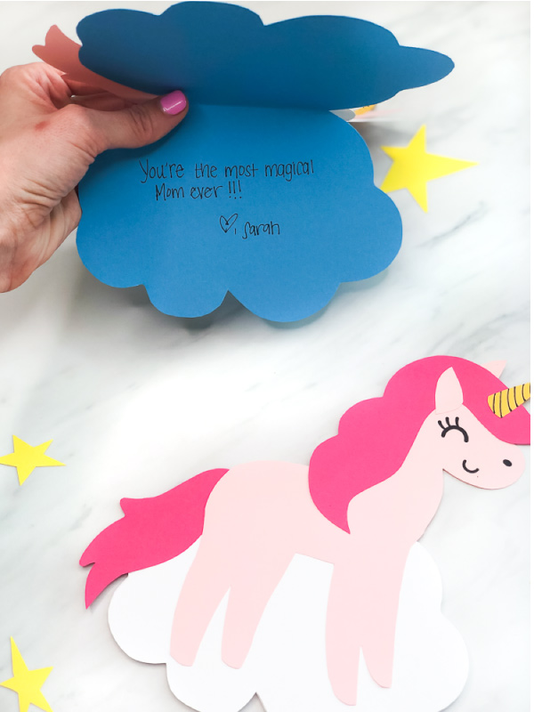 Unicorn Card Craft | Make these cute DIY unicorn cards with this free printable template. #kids #kidscrafts #craftsforkids #kidsandparenting #unicorns #unicorncrafts #printablesforkids #kidsprintables #children #kindergarten #gradeschoolers #elementary #mothersday #simpleeverydaymom