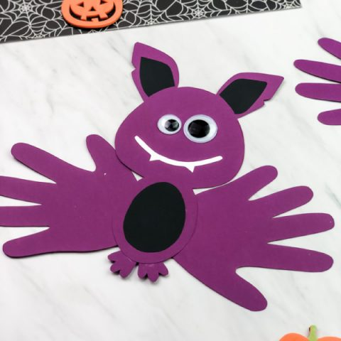 Easy Bat Handprint Craft