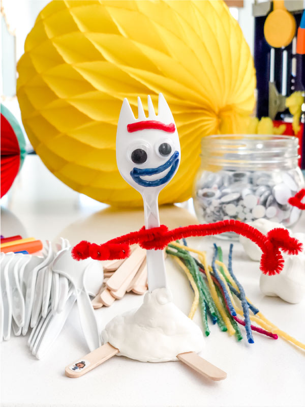 Build your own Forky craft station