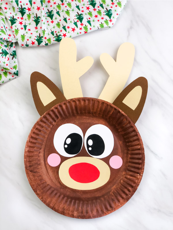 closeup of paper plate reindeer craft