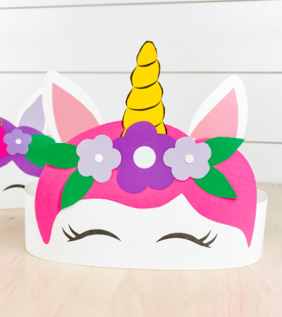 Closeup of paper unicorn headband craft