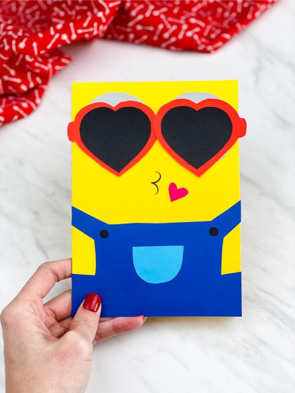Minion valentine craft