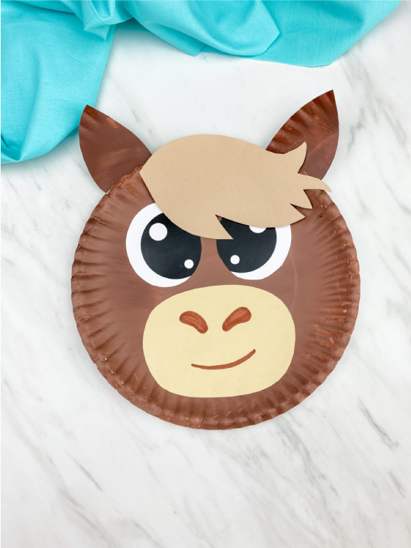 Light brown paper plate horse
