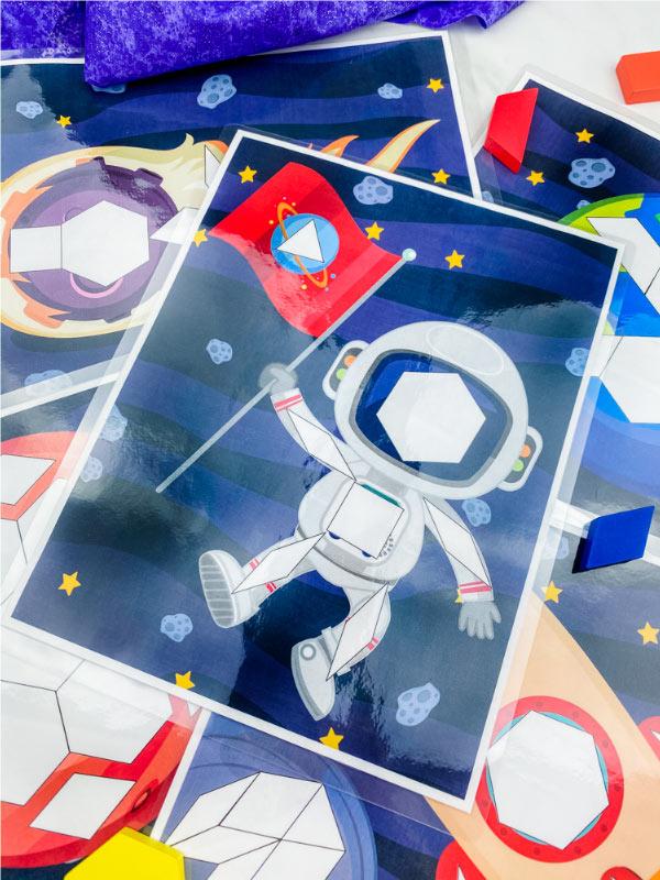 astronaut pattern block mat
