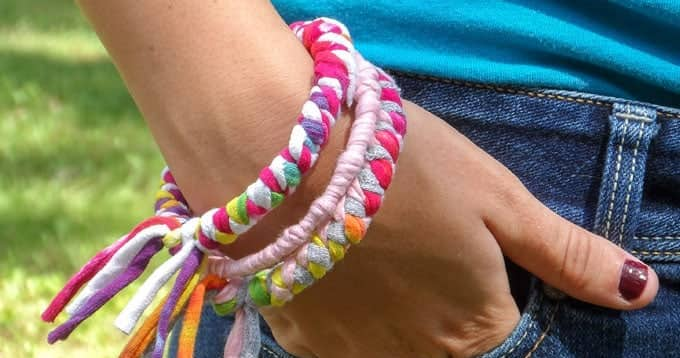 Make bracelets from OLD T-SHIRTS!