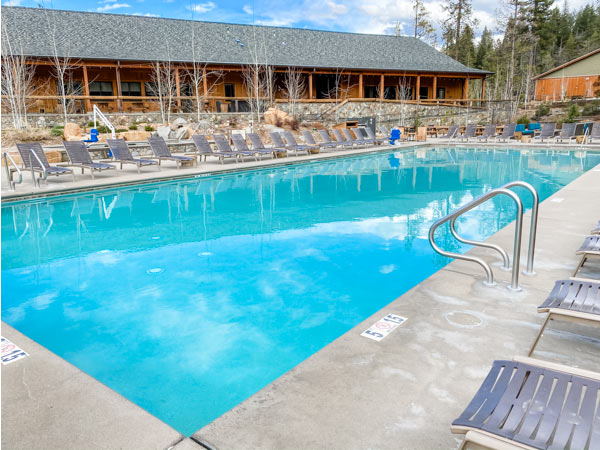 pool at Rush Creek Lodge