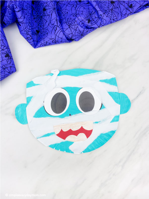 blue paper plate mummy craft