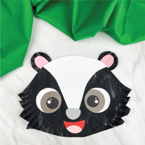 paper plate skunk craft