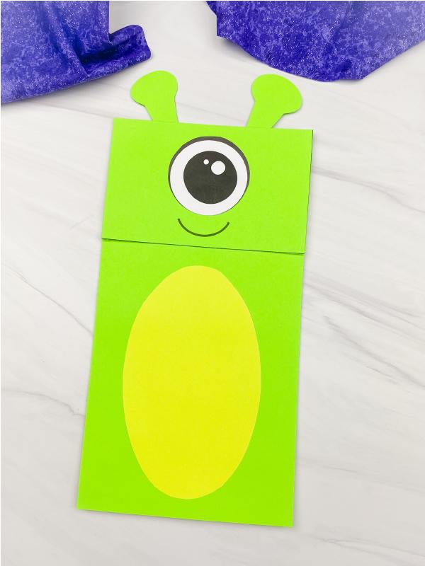 alien paper bag puppet craft
